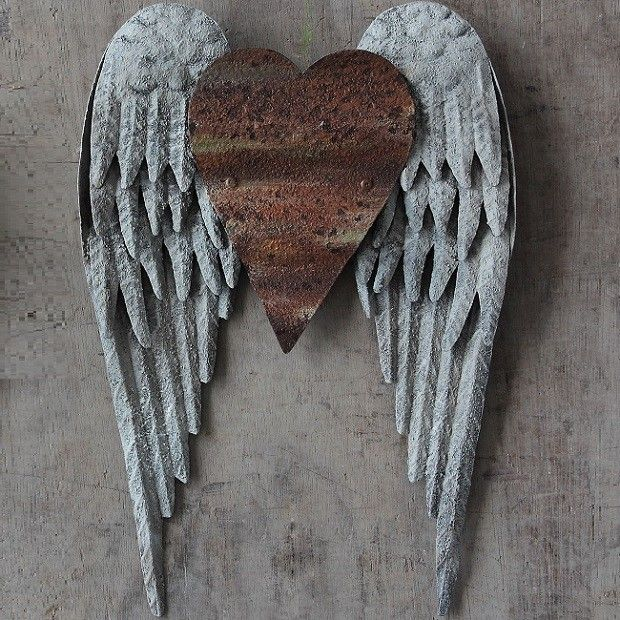 Metal Angel Wings With Heart Wall Decor