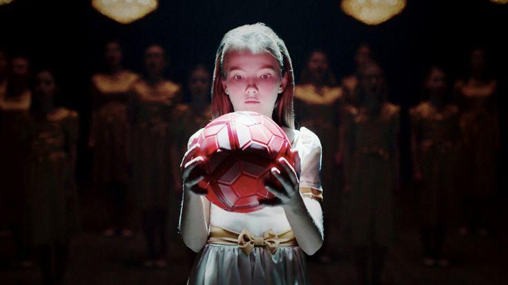 Nike: Из чего же сделаны наши девчонки? всех женщин с 8 МАРТА ! ВСЕХ БЛАГ ВАМ!