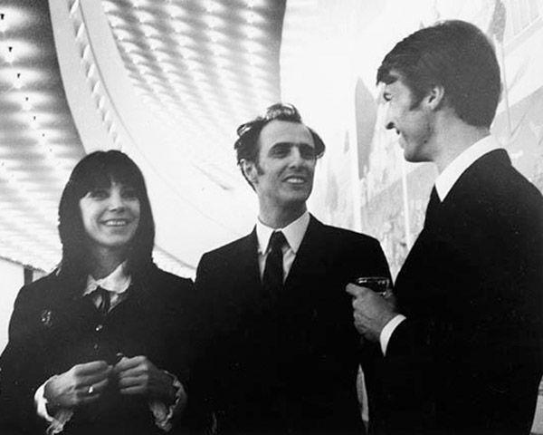 Renée Claude, Gilles Vigneault et Stéphane Venne, artistes québécois à l'Expo 67 en 1967. 111