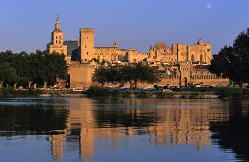 Les Palais des Papes... Avignon, France (my absolute favorite town in the whole world)