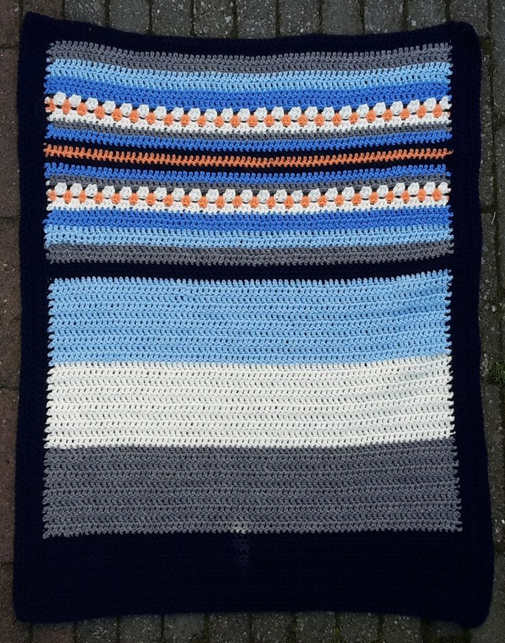 https://flic.kr/p/z2XLgJ | 15 Droomdekentje blauw | A small crochet blanket 60x85cm. A hospital asked for this small size and I love it! It's more manageble and faster in finishing :-) It will be donated.