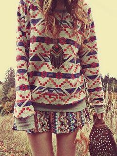 J'aime bien le pull, après le haut motif et le bas motif ça fait trop. Pour moi c'est soit l'un, soit l'autre;