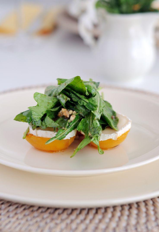 Simpel en heerlijk voorgerecht: abrikozen met geitenkaas -
