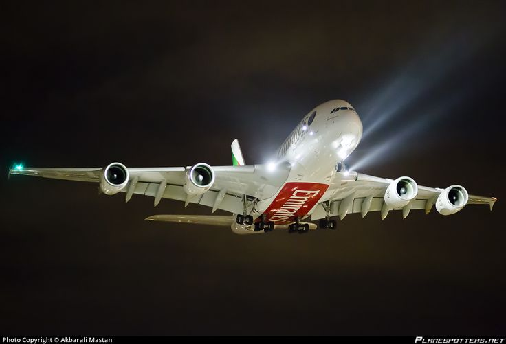 A6-EOT Emirates Airbus A380-861