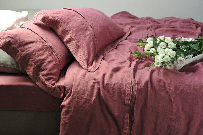les 25 meilleures id es concernant lits romantiques sur pinterest maison peinte literie. Black Bedroom Furniture Sets. Home Design Ideas