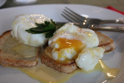 Failsafe Foodie: Sunday, Sunday - Eggs with hollandaise - Gluten free, dairy free, soy free!