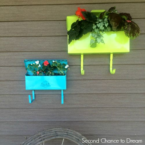 DIY Mailbox Planters - Second Chance To Dream | Second Chance To Dream