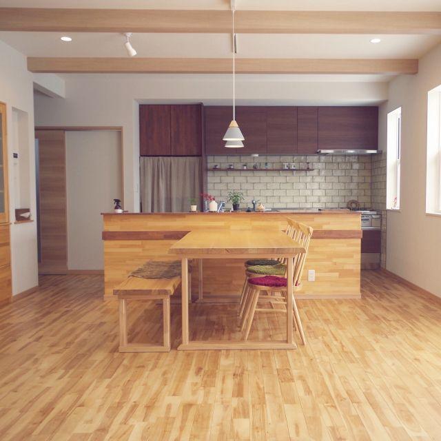 部屋全体 桜の床材 無垢床 リビングダイニング 無垢の床 などの