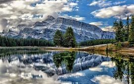バーミリオン湖、バンフ国立公園、アルバータ州、カナダ、山、木