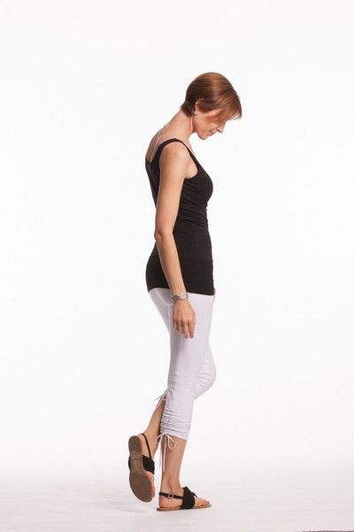 Lace-up white crop leggings with shapewear