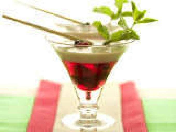 Gelatina de horchata y frambuesas