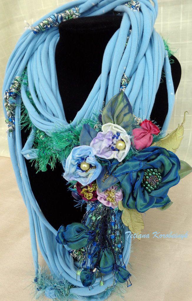 Collana stile Boho, shabby chick, reciclato, eco, con decorazione floreale, fiori di nastro, sciarpa, by Silkribbonembroidery, 50,00 € su misshobby.com