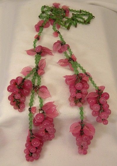 miriam haskell vintage jewelry | MIRIAM HASKELL PINK & GREEN GLASS LARIAT