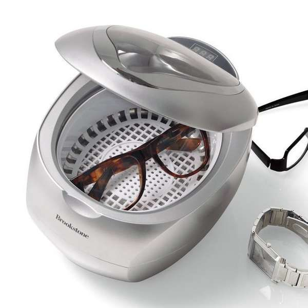 jewel cleaner.. uses steam.. just add water.. works on watches and glasses