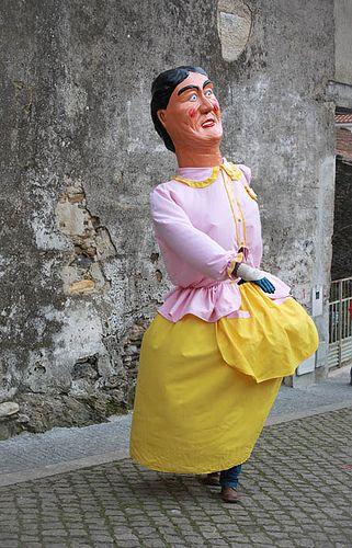 Gigante portugues en el carnaval rural  de Podence