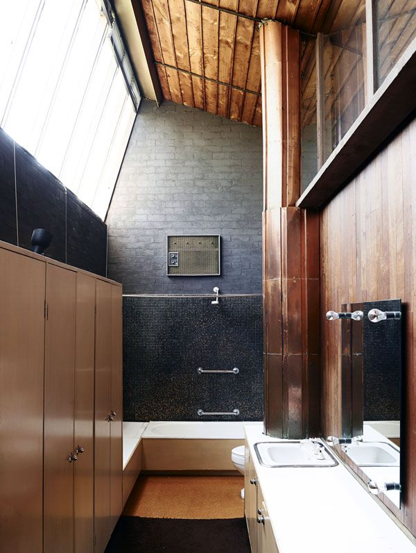 Walsh St by Robin Boyd. Main bathroom, with soaring ceiling and incredible natural light – situated at the front of the house on the top floor, this is the highest point of the building.