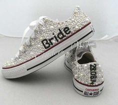 Scarpe da sposa converse bianche con perline. Wedding white converse shoes. #wedding #wedding shoes