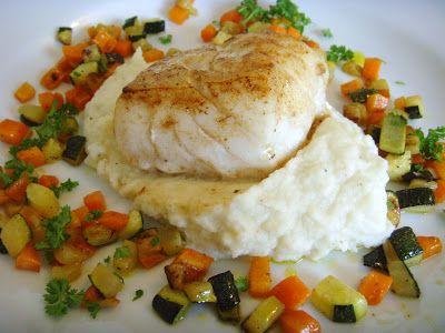Fra kjøkkenbenken: Torsk med blomkålpuré og smørfreste grønnsaker