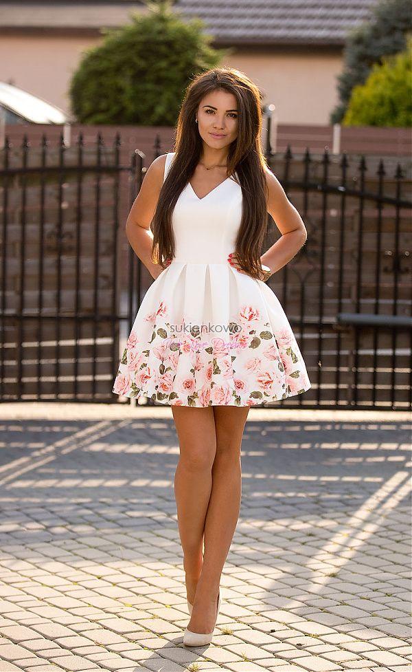 Sukienkowo Com Ines Rozkloszowana Sukienka Z Kwiatami Na Dole Cute Dress Outfits Fashion Flare Dress