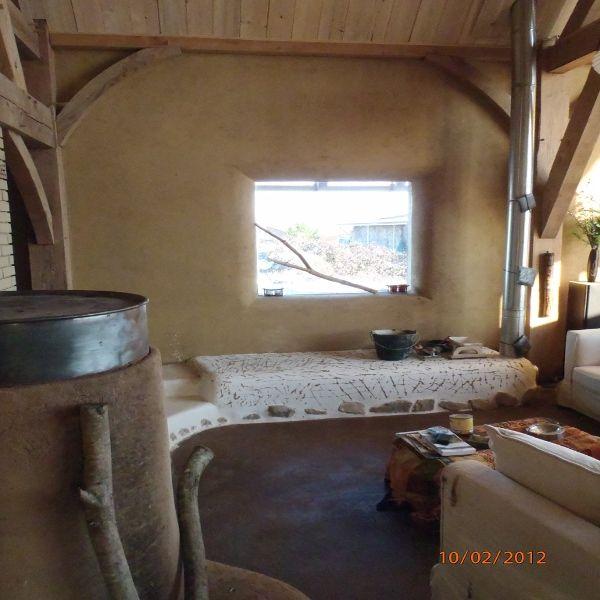 Rocket stove thermal mass heater. In French. | Formation autoconstruction dun poêle de masse de type rocket stove |