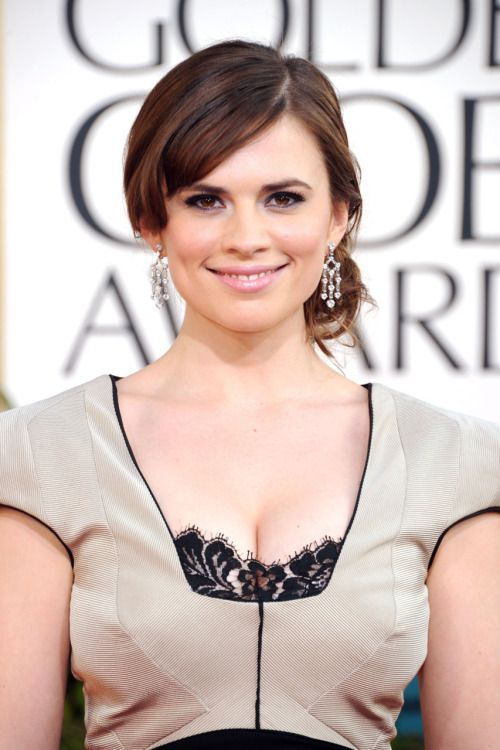 Hayley Atwell at the Golden Globes 2011