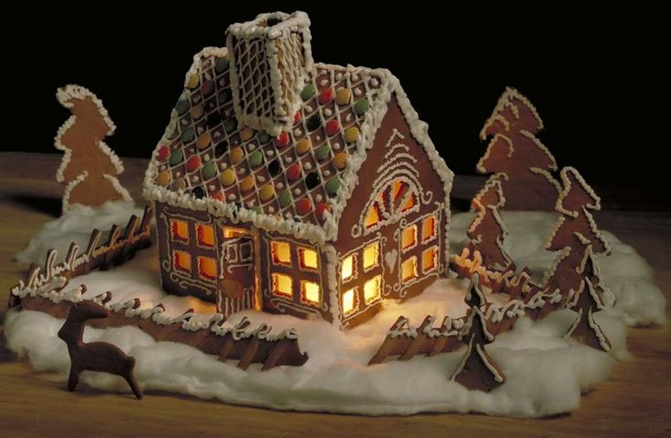 Det er koselig å pynte til jul. Dette pepperkakehuset er julepynt som både er vakkert for øye og godt for ganen. La barna delta i dekoreringen, me...