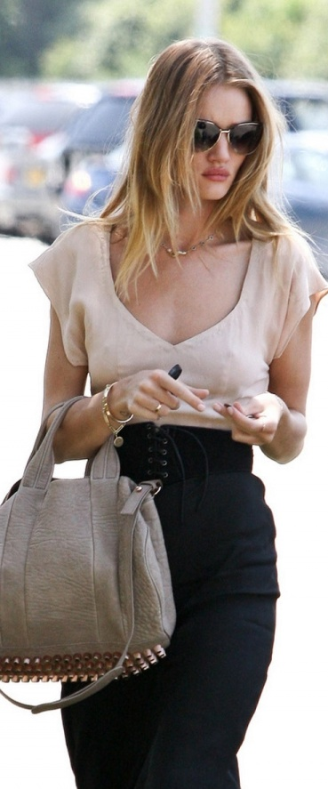 sweetheart blouse / corset belt / pencil skirt / Rosie Huntington-Whiteley