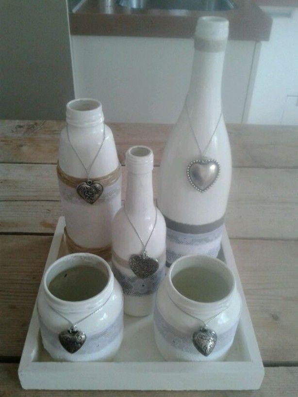 25 beste idee n over lege flessen op pinterest glazen fles fles knutselen en flessen schilderen - Versieren haar badkamer ...