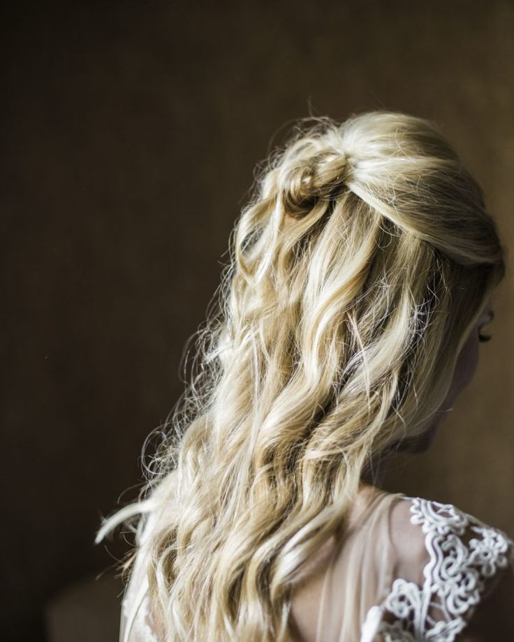 How luxurious is the beautiful wedding hair! Image by Lucky Malone, Wyoming.