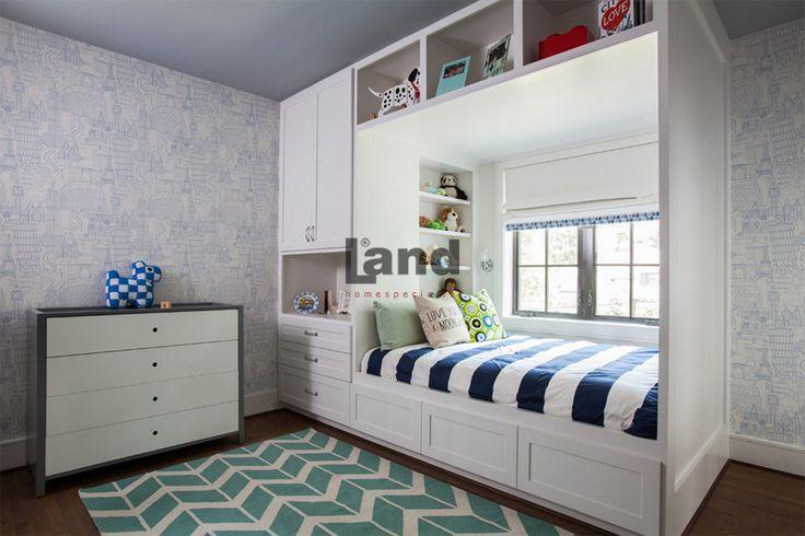 Odayı tam kullanım imkanı sunan, Land Ranzalı Genç Odaları.  http://www.land.com.tr/genc-odasi-urunler/ranzali-genc-odalari