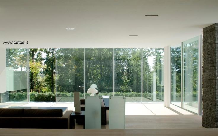 Grandi vetrate con profili sottili