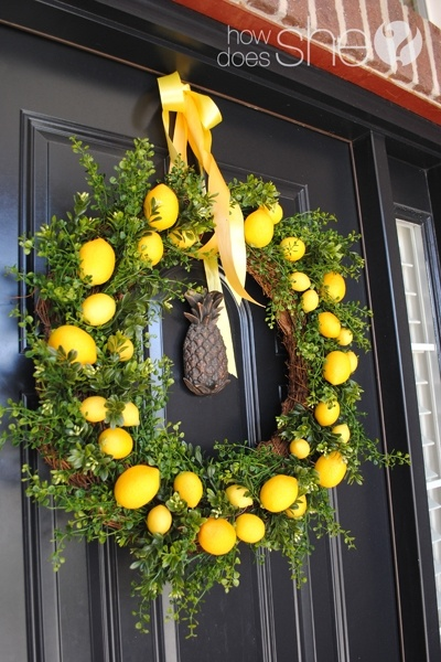 Welcome Spring by making your own beautiful lemon wreath! Tutorial here! (if you score one or two I bet the smell is wonderful! - great for the kitchen door)