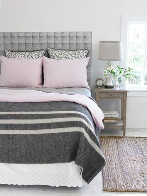 Tete de lit avec un simple adhésif