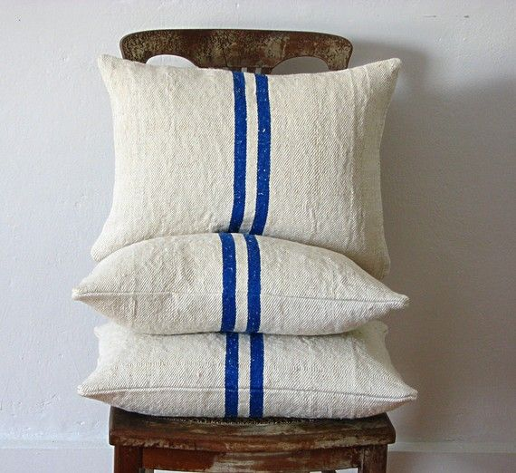 Vintage Grainsack Pillow Double Blue Stripe par jillbent sur Etsy