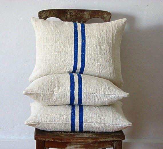 Vintage Grainsack Pillow Double Blue Stripe par jillbent sur Etsy