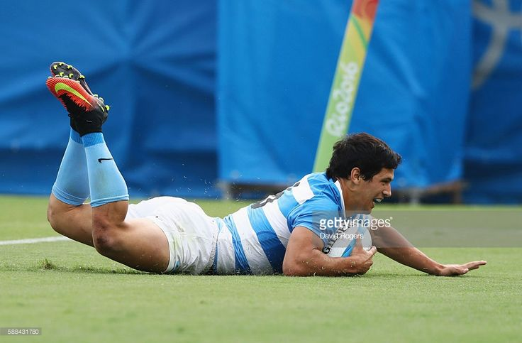 Matias Moroni of Argentina scores a try during the Men's Rugby Sevens placing 5-8 match between Argentina and Australia on Day 6 of the Rio 2016 Olympics at Deodoro Stadium on August 11, 2016 in Rio de Janeiro, Brazil.  (Photo by David Rogers/Getty Images)