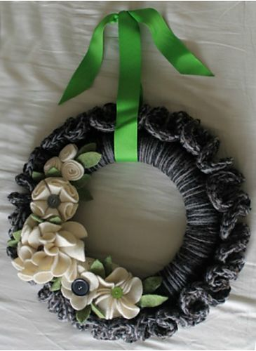 Ruffle Wreath pattern by Kristin Baird ~ free pattern