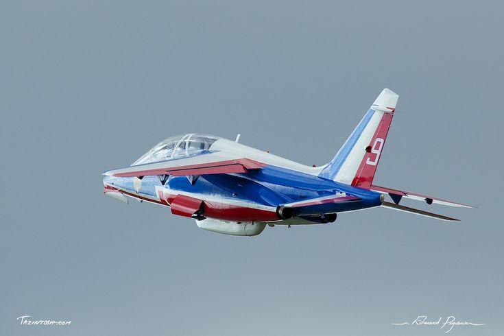 Dassault - Dornier Alpha Jet - Patrouille de France: http://tazintosh.com #FocusedOn #Photo #Aile #Wing #Appareil d'attaque #Fighter #Canon EF 100-400mm f/4.5-5.6L IS USM #Canon EOS 5D Mark II #Ciel #Sky #Cockpit #Dassault #Dornier Alpha Jet #Fuselage #Gouvernail #Rudder #Gouverne de profondeur #Elevator #Patrouille de France #Réacteur #Jet engine #Show aérien 2010 - Aéroclub de Coulommiers et de la Brie #Verrière #Aircraft canopy