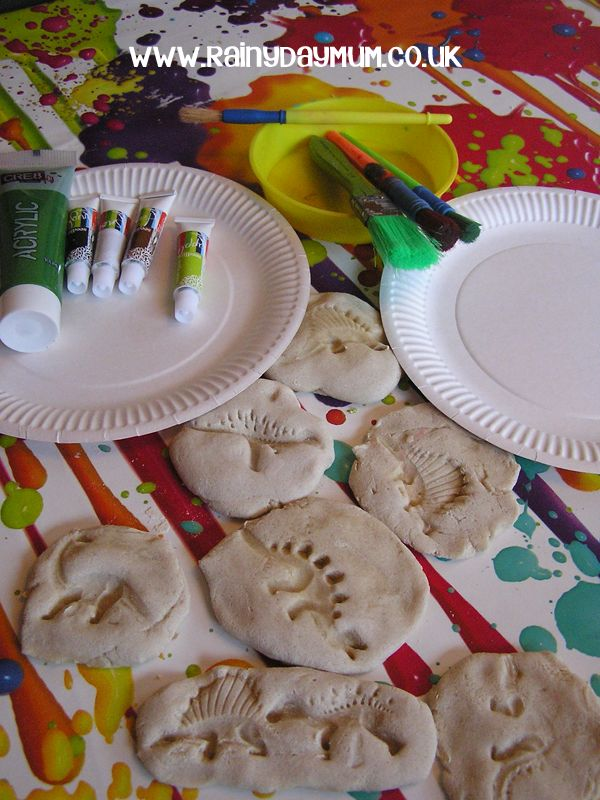 Fun Salt Dough Dinosaur Fossils to make with preschoolers and kinder aged children - paint them to make them even more realistic.