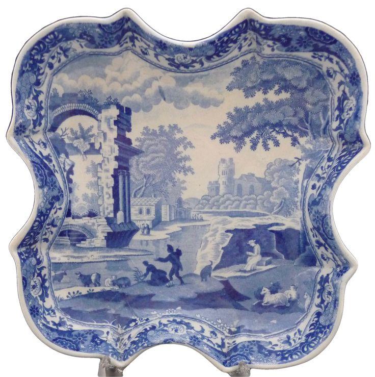 Spode 'Blue Italian' Devonia dish, c.1822 スポード ブルー イタリアン 'デボニア' ディッシ 1822年頃