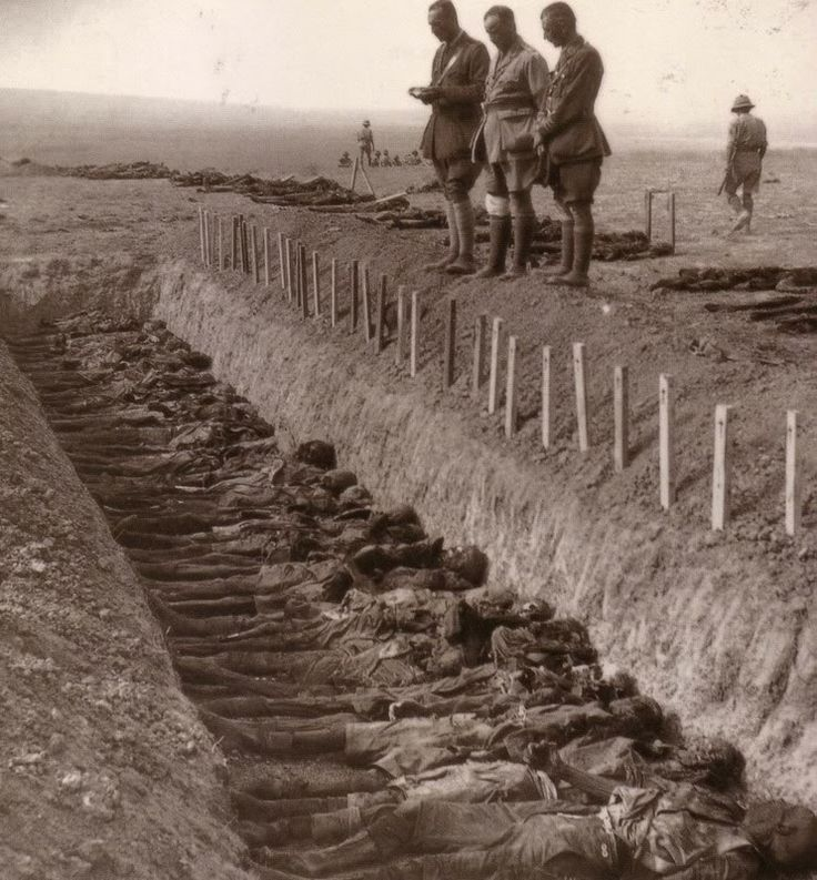 Australian dead being buried after the battle of Gaza