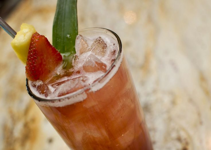 Yum Alert: Sangria Rosa    ...sounds delish, must try! I already adore Rosa Regale!