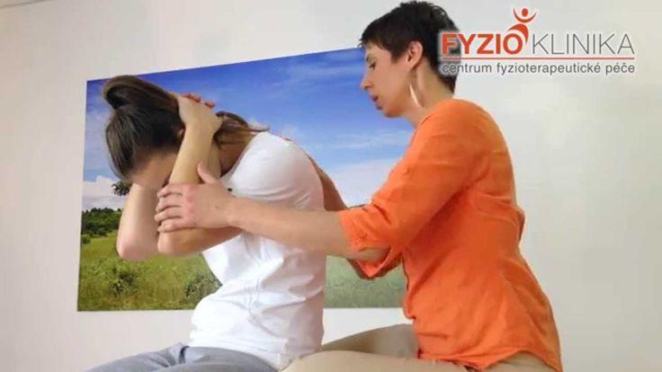 Protažení svalů kolem hrudní páteře