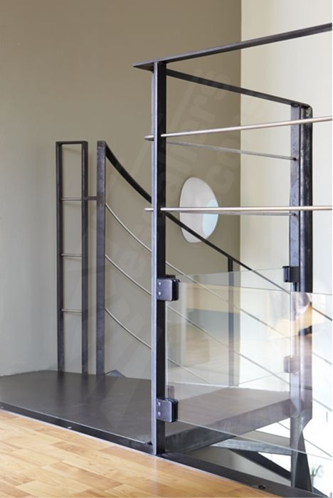 Best 25 garde corps en verre ideas on pinterest rampe for Garde corps verre securit