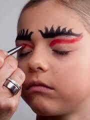 Bildergebnis für weiblicher teufel schminken augen