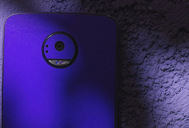 Motorola Moto Z. Your personality device! You can have a phone as new no matter how old, used or broken it is. Give it another look with Silver Metallic Series Design Skin Material 3M. FREE APPLICATION. www.24gsm.ro / 0728428428 / 24gsm