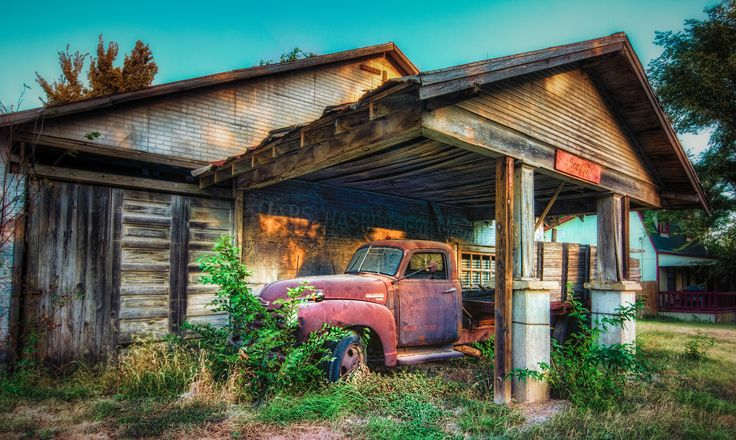 An old abandoned gas station in Italy, Texas. | Places ...