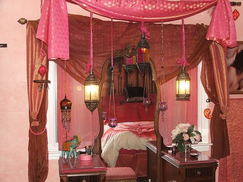 DIY gypsy bedroom!Diy Gypsy, India Room, Gypsy Bohemian Diy, Pink Gypsy, Pink Bedrooms, Bedrooms Inspiration, Hanging Lamps, Gypsy Bedrooms, Bohemian Gypsy