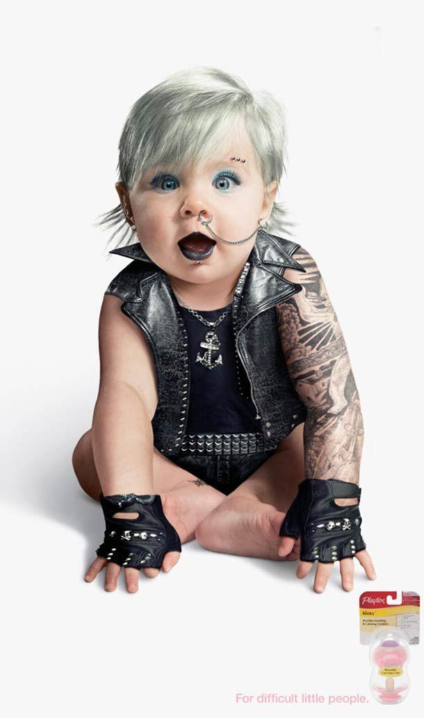 Punk Baby Girl. Bébé Yakuza. Génial campagne de publicité pour les tétines Playtex Binky.