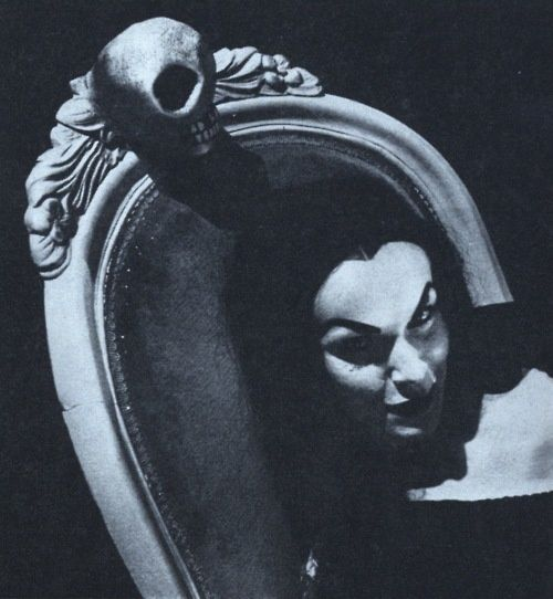 "Maila Nurmi, aka Vampira, Height: 5' 6½"",  Born December 11, 1922 in Petsamo, Finland,  Died: January 10, 2008 (age 85) in Los Angeles, California, USA, was believed to have been the first horror host.   IMDb http://www.imdb.com/name/nm0885533/ Profile http://www.findadeath.com/Deceased/n/MailaNurmiVampira/mailanurmi.htm"